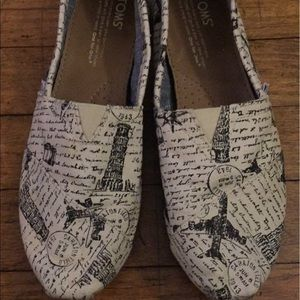 Travel themed EUC Toms sneakers